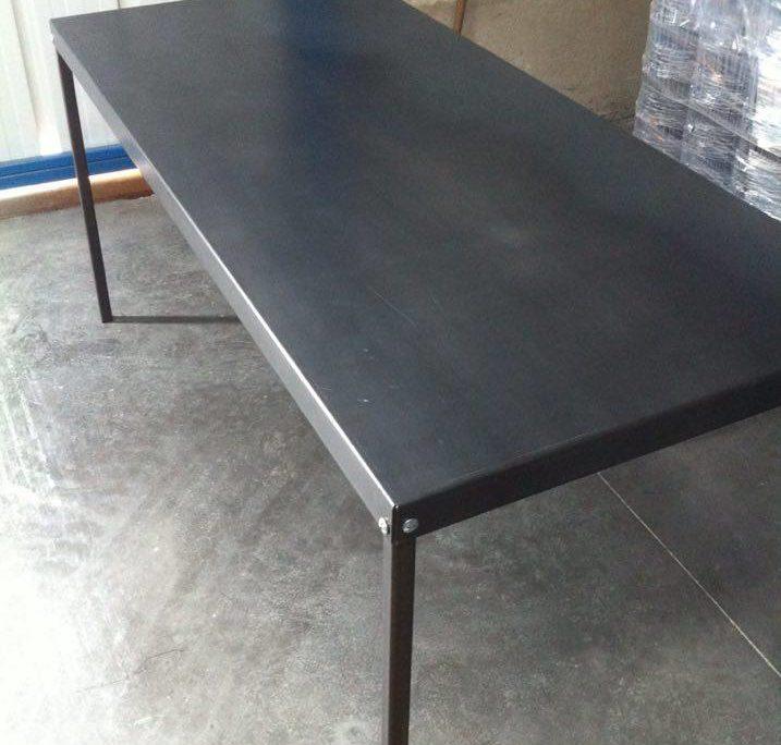 photos de table industrielle eric brouet. Black Bedroom Furniture Sets. Home Design Ideas